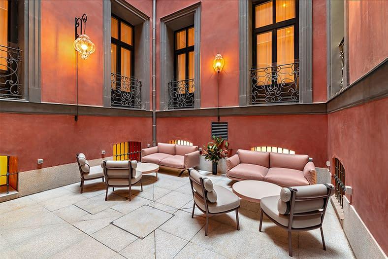 Rehabilitación integral de edificio en Hotel en Madrid 13