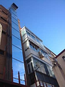 Building restoration for the legalisation of a garage in Madrid||||