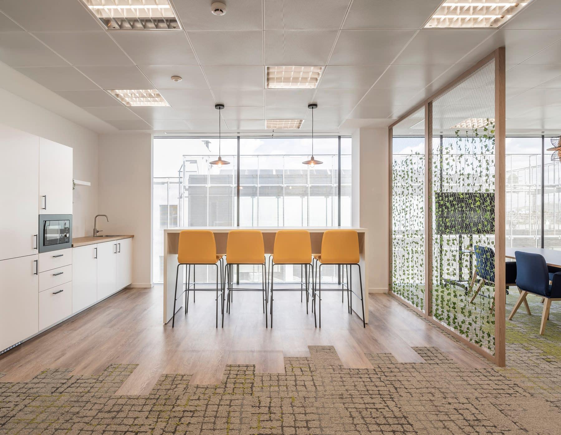Diseño, reforma e implantación de oficina para empresa de materiales sanitarios en madrid (1)