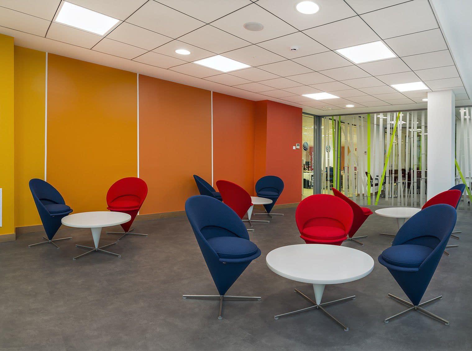Sala de descanso reforma de oficina de consultoría informática Barrio de Salamanca Madrid